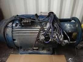 Motor trifásico W22 220/440 (250 HP) IPW55 1800 rpm