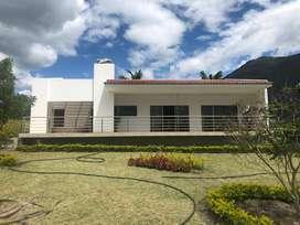 En VENTA Quinta Vacacional ubicada en Yunguilla
