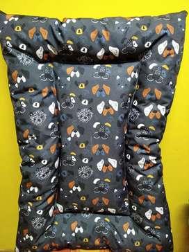 Cuchas para perros tela antidesgarro impermeable de 70cmx50cm S800 y de 70cmx1metro$1400