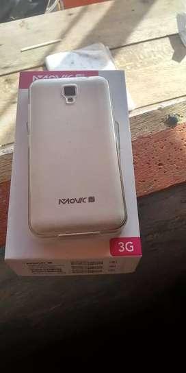 Se vende celular Movic blanco con caja y todo