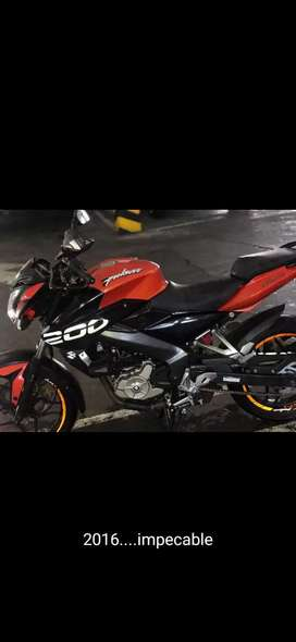 Vendo pulsar 200 ns pro primera version aldia impecable traspaso incluido 6 000000