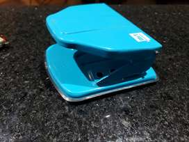 Perforadora de papel marca mit