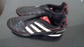 Botines Adidas 42