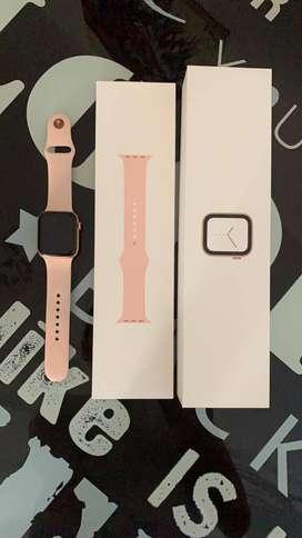 Apple Watch Serie 4 - 1 Año de uso, color rosa