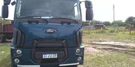 Vendo cargo 1519 mod 2016 tanque de riego con 40 mil kilometros, recibo auto y dif contado.