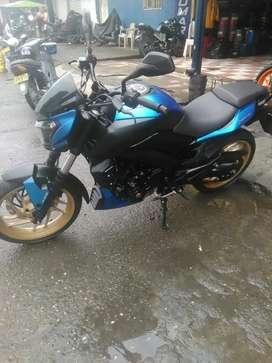 Vendo super moto 400