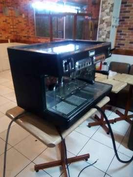 Cafetera digital italiana