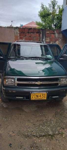 Camioneta Chevrolet blazer