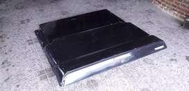 Tapa caja rígida Hilux hasta 2004 .material P.R.F.V esmaltada negro