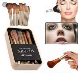Set de brochas Naked 3