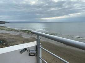 Alquilo departamento en Manta zona sur con vista al mar