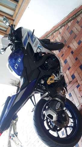 Se vende moto yamaha r3, modelo 2016 con todo al dia,llantas nuevas,soat y tecnomecanica hasta julio de 2021, con