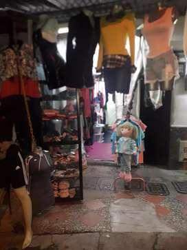Vendo negocio de ropa acreditado con 3 años de antigüedad en paris bello