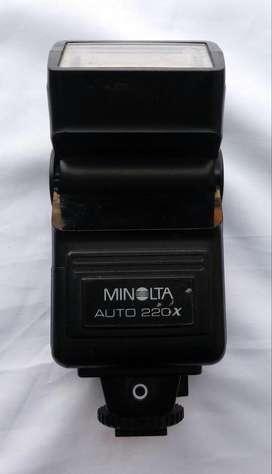 Flash Minolta 220 x 20.000 Necesita mantenimiento