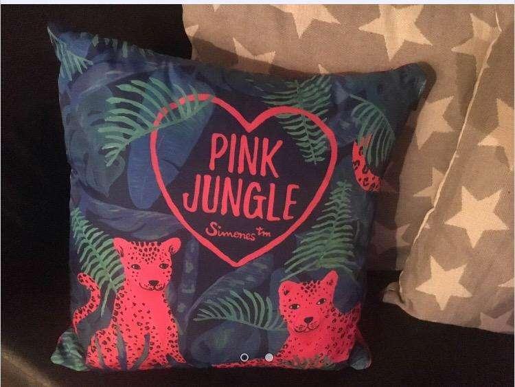 Vendo almohadon simones pink jungle 0