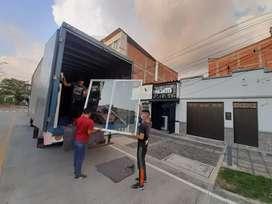 PRODUCCIÓN DE DIVISIONES DE BAÑO FACHADAS COMERCIALES VENTANAS PLEGABLES POLARIZADO VIDRIO TEMPLADO MANTENIMIENTO Y MAS