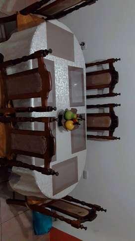 Se vende juego de comedor- 6 sillas