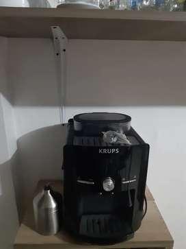 Vendo cafetera de cafe molido y capuchinera