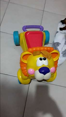 León primeros pasos Fisher Price