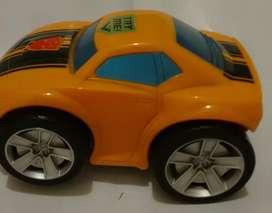 AUTO Transformers Bumblebee  ORIGINAL Hasbro  con Sonido de voz y Luz