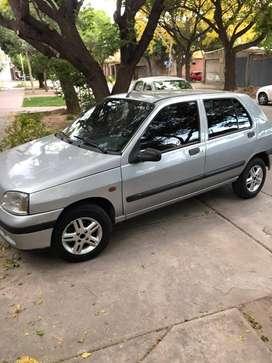 CLIO 1996 -GASOLERO
