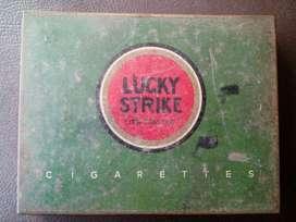 Lata Antigua Vintage Lucky Strike 1940s