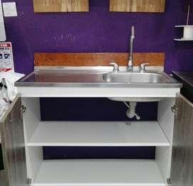 Mueble de cocina con lavaplatos