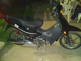 Vendo moto única dueña
