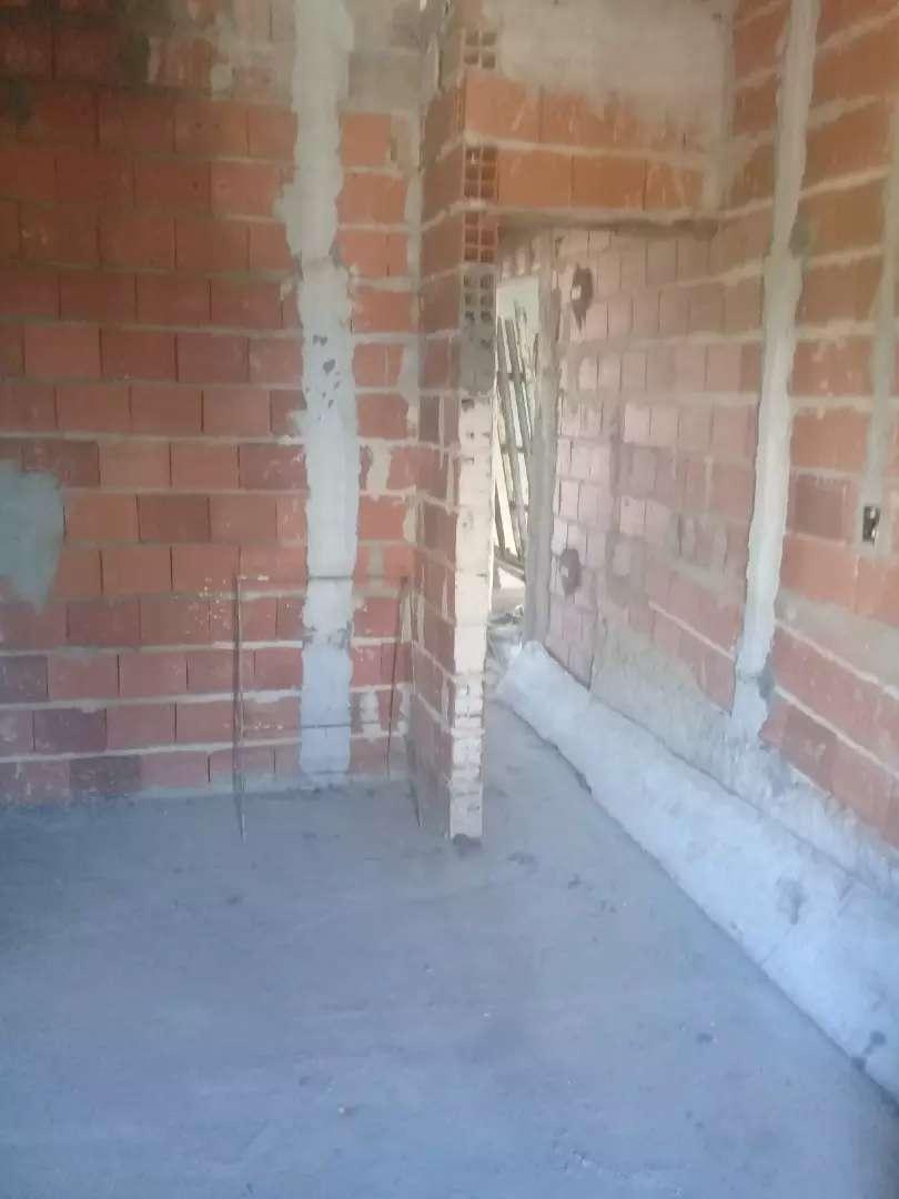 buscó trabajó de construcción y pinturas muy responsable 0