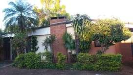 En Eldorado Mnes. Casa material amplia con garage y patio