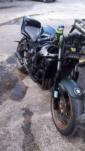 Vendo super  bike r6