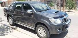 Vendo Toyota Hilux SRV 2014