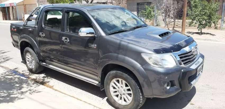 Vendo Toyota Hilux SRV 2014 0