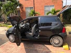 Se vende vehiculo en excelente condicines
