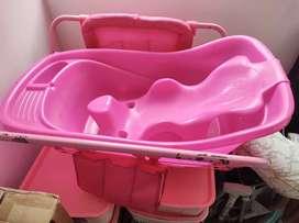 Bañera para Baño con su base poco uso