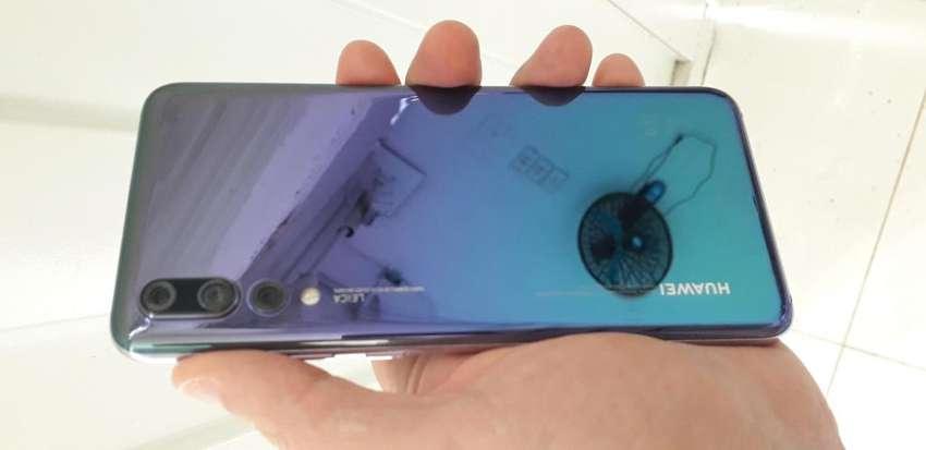 Huawei P20 Pro, 128 Gigas, Excelente Estado, Imei Y Cargador Original 0