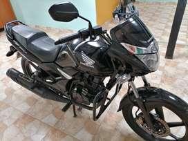 Cambio o vendo Hermosa Honda CBF150