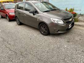 Vendo auto excelentes condiciones un solo dueño bien conservado y placas de Pichincha
