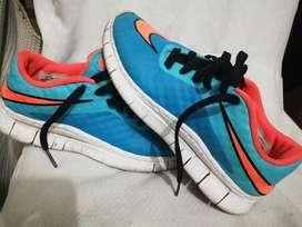 Zapatos Talla 38. Centímetros 24
