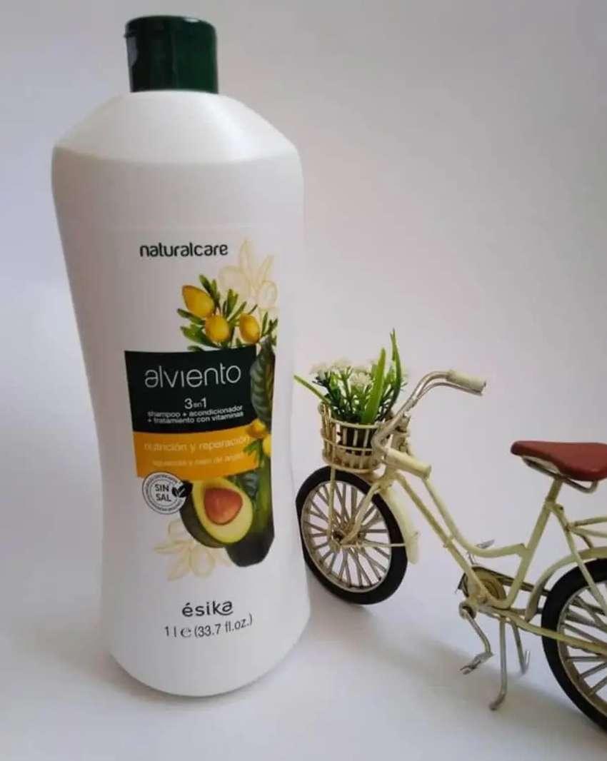 Shampoo 3 en 1 de ESIKA (1litro) 0