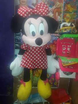 Se vende peluche mini mouse excelente estado gigante