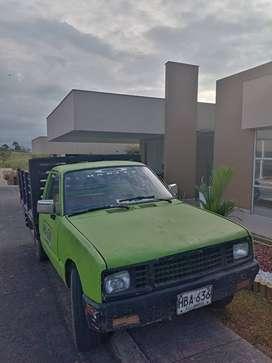 Se vende camioneta estacas en muy buen estado mecanicamente
