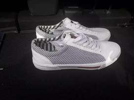 Vendo zapato.tommy Hilfiger talla 11