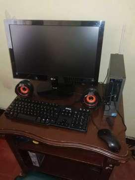 Se vende computadora de mesa marca LG