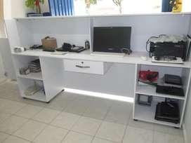 Mesa de Recepción Como Nueva