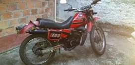 Motocicleta suzuki ts 100 excelente estado,