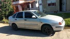 POLO CLASIC!!!EN BUEN ESTADO
