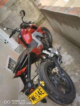 Vendo moto CBF 190R excelente estado