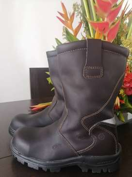 Botas petrolera Global Living