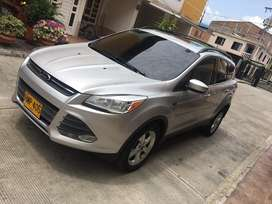 Vendo  hermosa ford escape 4x4 full turbo 2.0 gasolina lista para traspaso